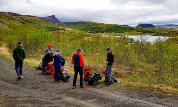 Allir gera sig tilbúna við Hreðavatn