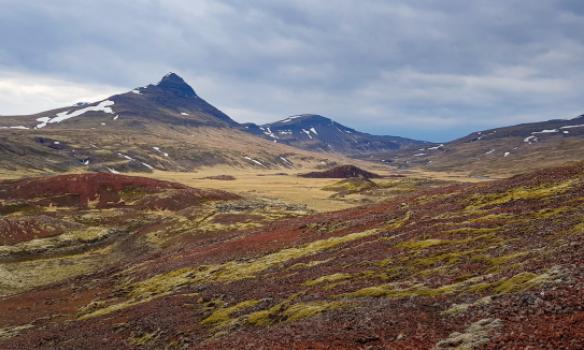 Horft upp Þórarinsdal af Rauðkúlum