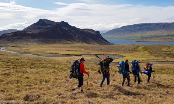 komið að Hlíðarvatni