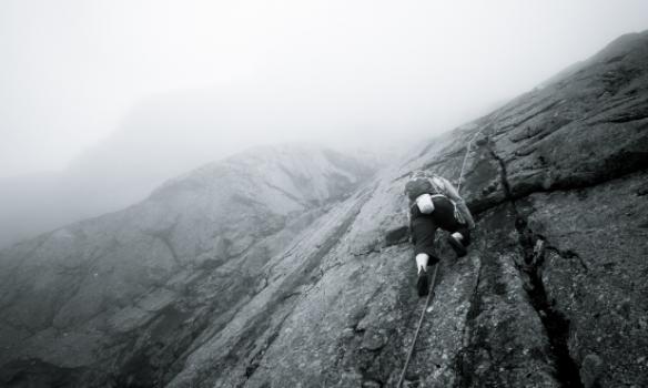 Á einum stað var prófað að binda einn í mijða 60m línu.