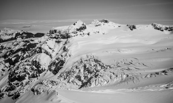 Hrútsfjallstindar og Svínafellsjökull