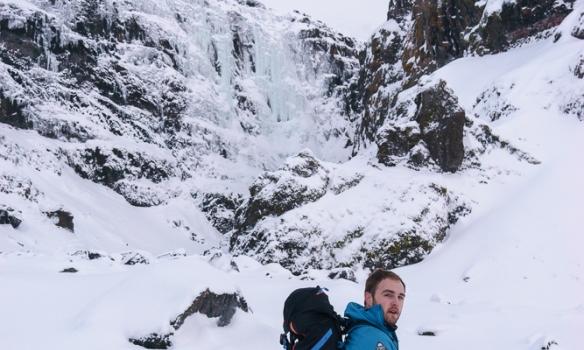 Arnar á leið að Grafarfossi