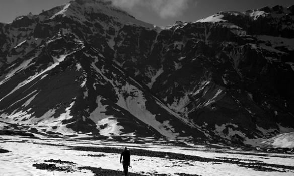 Í botni Kálfafellsdal er dalverpi sem nefnist Vatnsdalur, við himinn blasir svo Snæfellið.