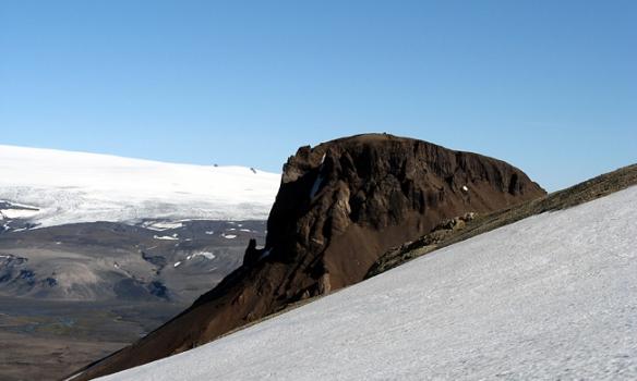 Loðmundur frá hlíðum Snækolls, Hágöngur sjást í bakgrunni.