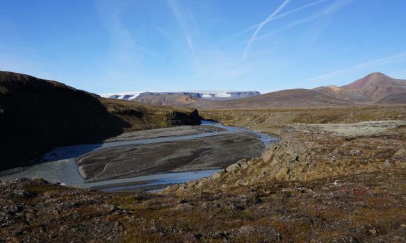Langjökull í baksýn, fremra-Sandfell til vinstri