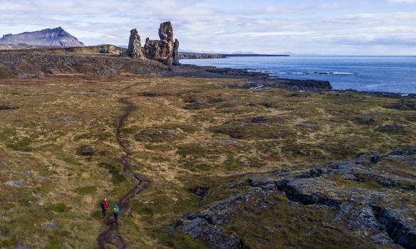Óðinn og Bjartmar ganga að Lóndröngum