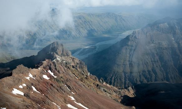 Flott útsýni niður í Morsárdal af Þumli.