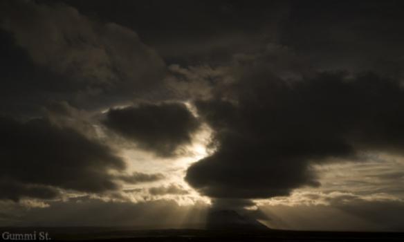 Sólstafir rétt vestan við Blönduós.