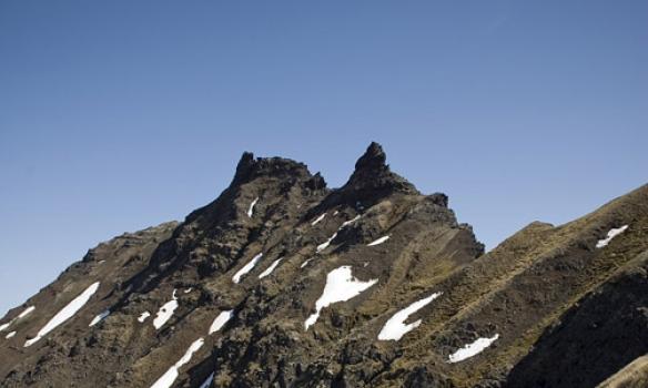 Svona 45° brekkur Hörgárdalsmegin, en snarbratt niður að Öxnadal.