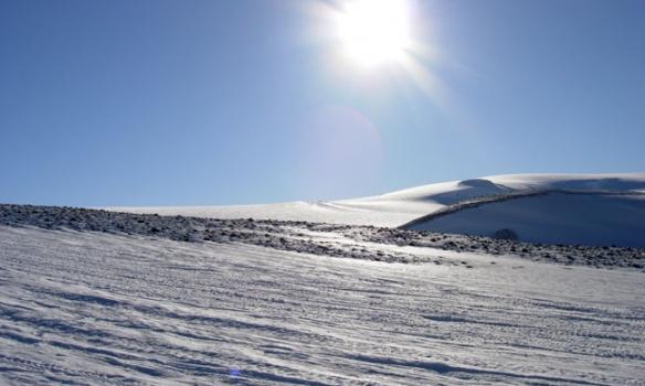 Komin uppá jökul, Geitlandsjökull hægra megin á mynd.