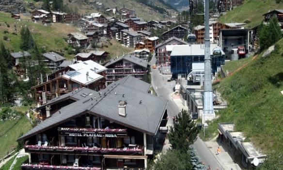 Að leggja af stað frá Zermatt, með Matterhorn-Express.