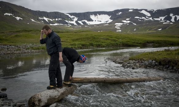 Við Gummarnir við brúarsmíði í Hlöðuvík.
