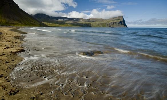 Fjaran í Hlöðuvík er falleg.